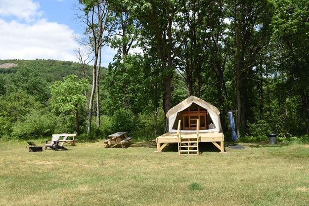 Picture of Creekside Camp West Glamping Site (Peak Friday-Saturday)